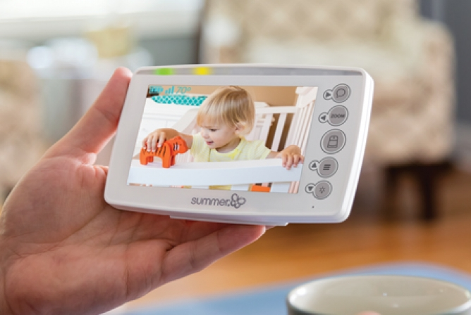 "Summer Infant Panorama Monitor has a 5.0"" handheld parent monitor"