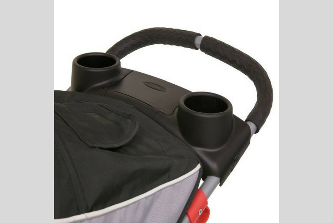 baby trend expedition review cup holders