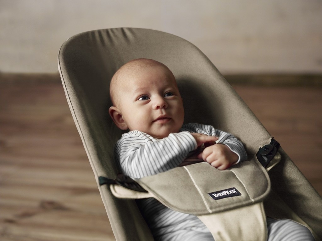 Baby Bjorn Bouncer - Provides ergonomic support and a great hand rest!