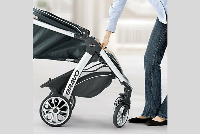 Chicco Bravo Trio Travel System review folding