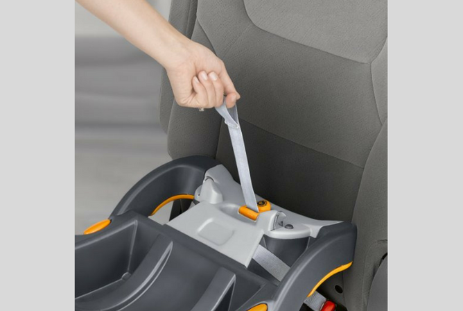 Chicco Cortina Travel System review pull strap