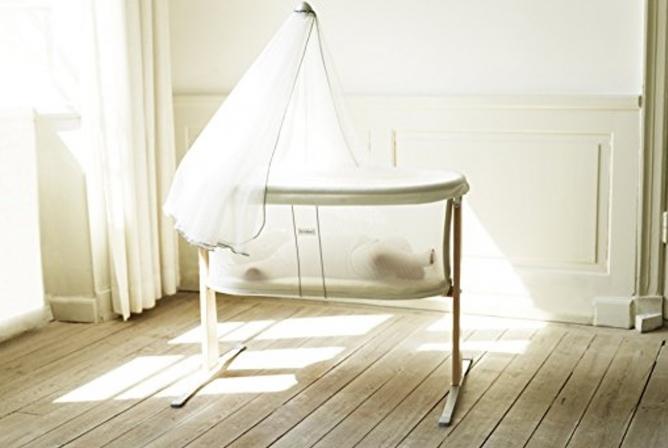BabyBjorn Cradle has transparent mesh sides.