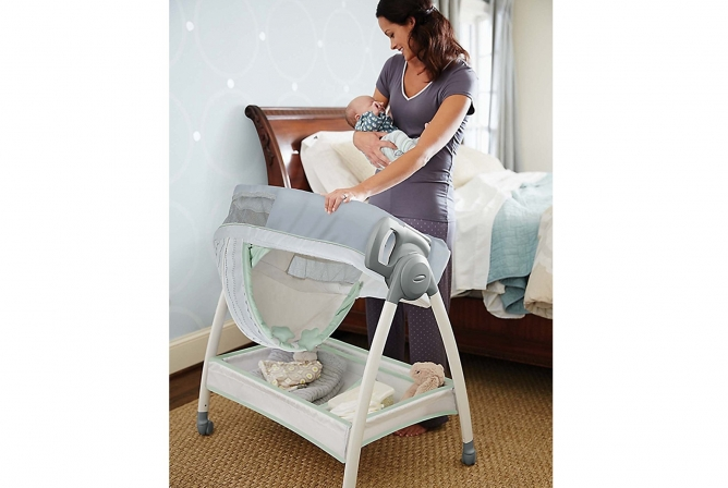 Switches from bassinet to changing table