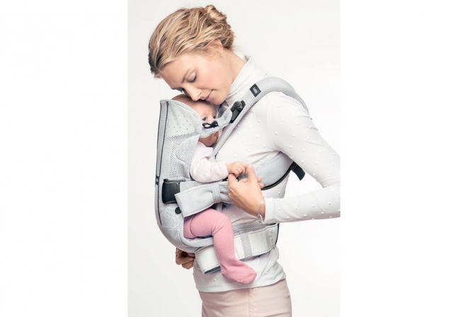 Baby Bjorn Air One Carrier Review Close enough to kiss
