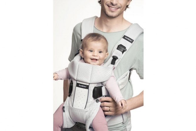 Baby Bjorn Air Carrier Front Outward Carry